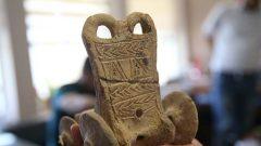 Şanlıurfa'da beş bin yıllık oyuncak at arabası bulundu